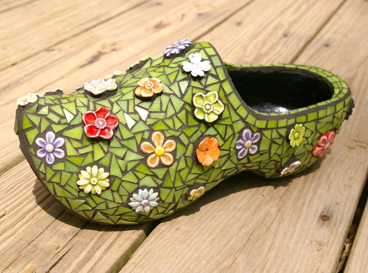 Dutch Wood Shoe Mosaic Stained Glass Flower Garden