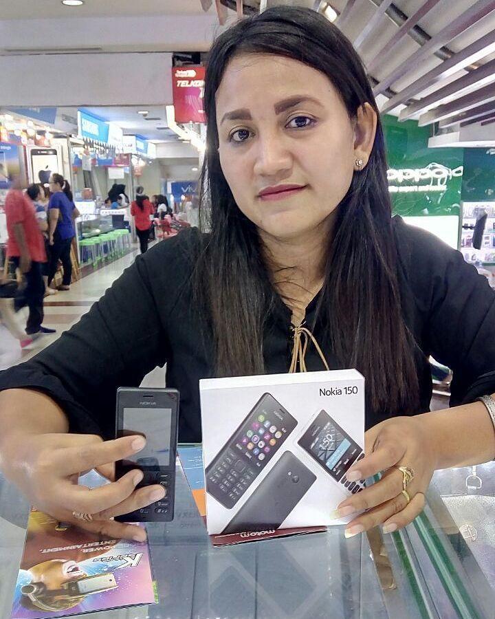 Thankyou Kak Tika buying NOKIA 150 from our store  . . . @anugrah_telco @anugrah_telco @anugrah_telco  Waiting for your next purchase  . . . . #anugrahmile #anugrahtelco #anugrahmf #instagram #instapic #techno #gadget  #technology #mobilemag #photooftheday #life #lifestyle #samsung #entrepreneur #like4like #advan  #business #hustle #apple #iphone7 #iphone7plus #iphone8 #ios #siri #ios11 #imac #applephone #kamuharustau #indonesia #oppositesattract