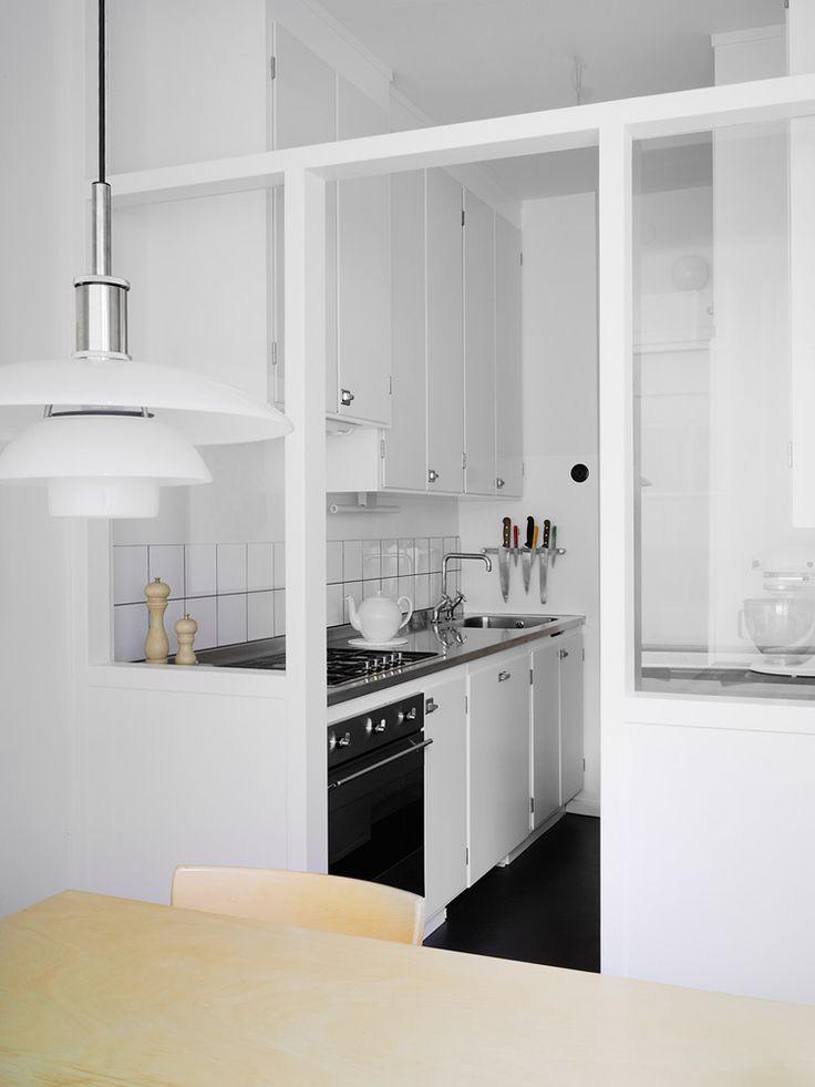 Platsbyggt funkiskök i Stokholm, handbyggt av Rikard Jakobsson, Möllansverkstäder