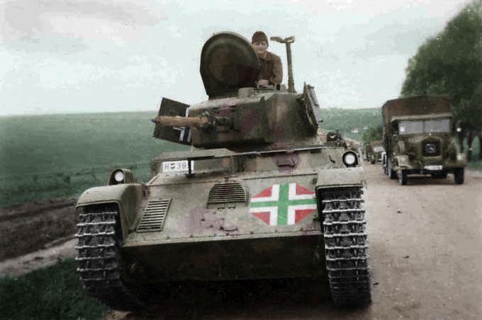 M38 Toldi tank.