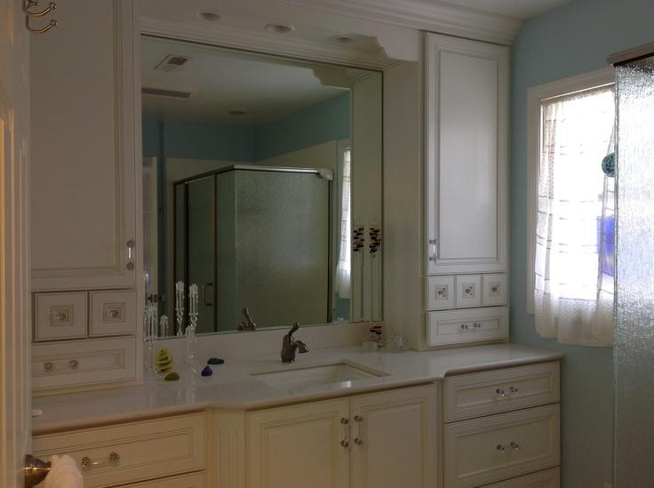 Traditional Small Bathroom Design.