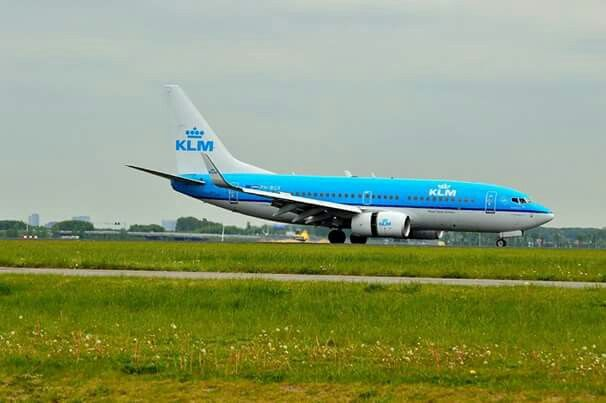 KLM Boeing 737-700  PH-BGX