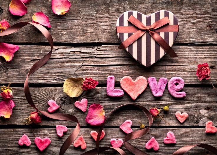 """Pour un bec à bec très gourmand, un coeur à coeur plein d'amour, le Mas Valentine vous propose son Menu """"Coup de Coeur"""" SAINT VALENTIN Cette année, venez fêter la Saint Valentin le Samedi 13 et le Dimanche 14 Février  Réservation obligatoi"""