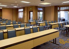 A nice meeting/conference hall in the hotel near San Diego Zoo in your budget.