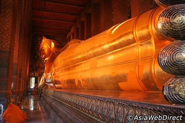 Wat Pho in Bangkok ( Temple of the reclining Buddha )