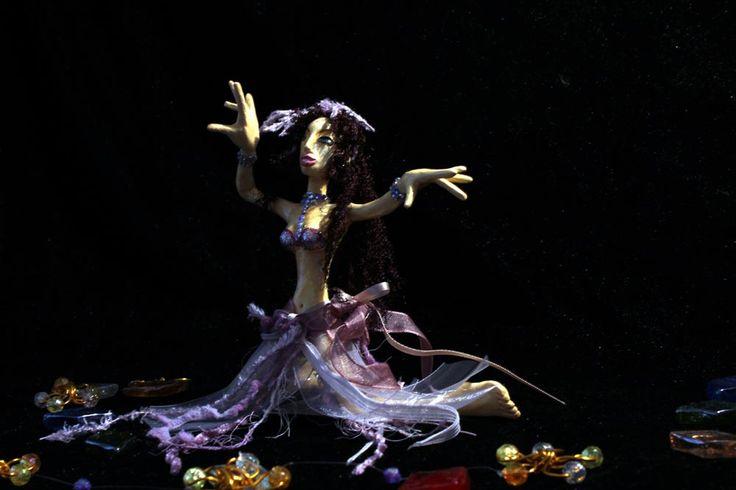 Dancing doll September 2010 (photo 2013)