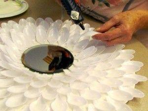 Réutilisez vos cuillères en plastique autrement