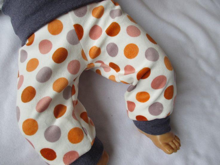 """Pumphosen - Kuschelige Pumphose """"Punkte"""" Nicki - ein Designerstück von Naehsthekchen bei DaWanda"""