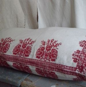 dowry bed embroidered pillow case from Transylvania-parna