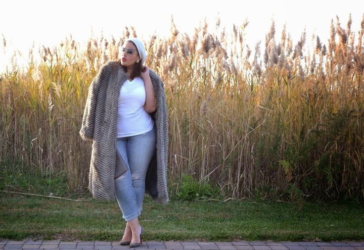 Plus Size Fashion  Coat: Kelly Brook for Simply Be  Jeans: Torrid T-Shirt: Boo's Closet Clutch: Forever 21 Shoes: Christian Louboutin Zappa 100