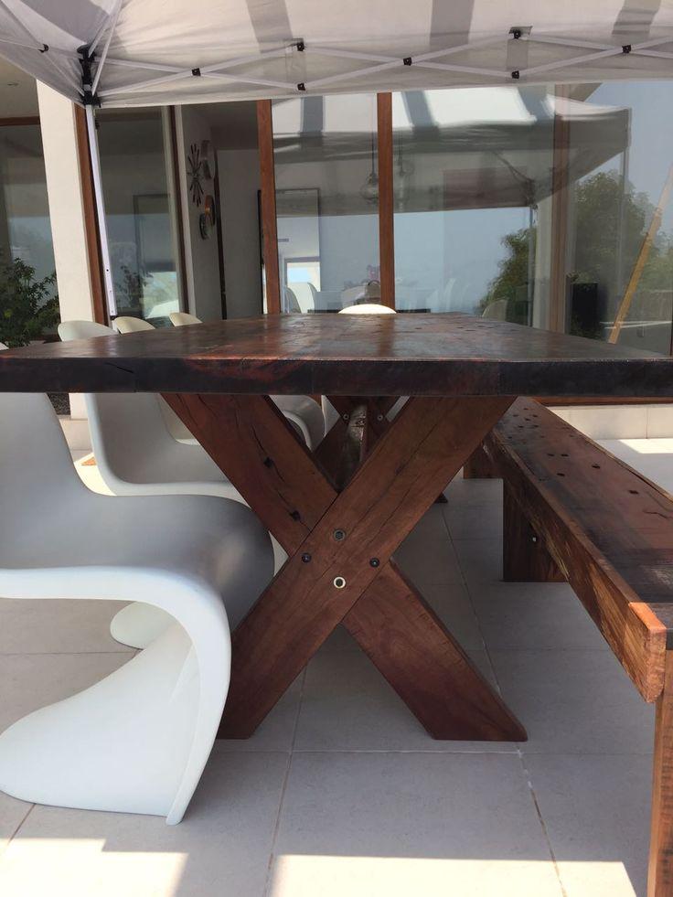 Mesa de durmientes de ferrocarril, madera nativa.