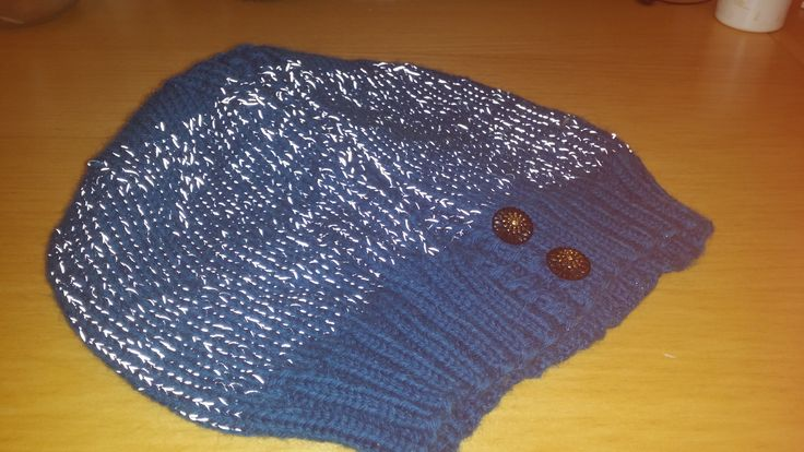 Hat knitted with reflectiv yarn - my own design
