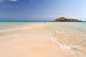 7 playas de la isla de Cerdeña que parecen piscinas infinitas (entre las mejores del Mediterráneo)