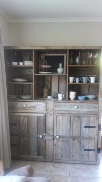 We Specialize In Creating Amazingly Beautiful Handmade Pallet Furniture From A Mix Of New And Old