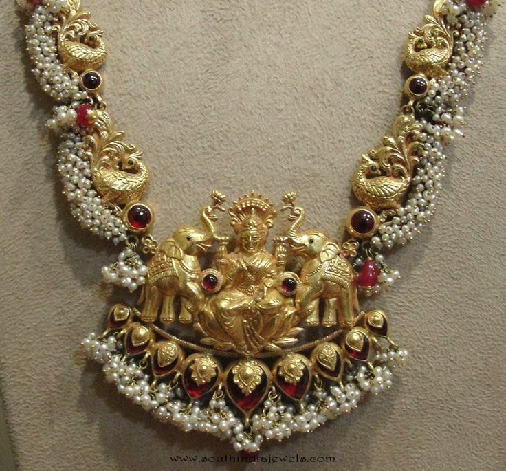 Gold Temple Necklace Designs from Tibarumals Jewellers, Gold Antique Necklace Designs from Tibarumal Jewellers.
