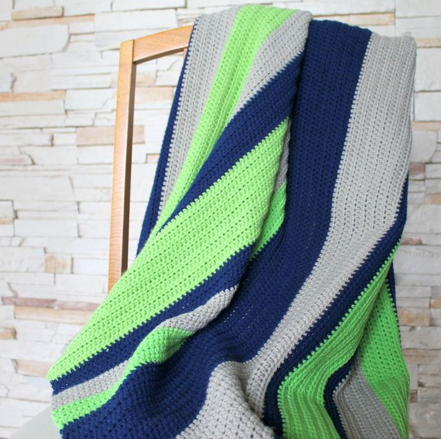 boy crochet blanket (again, good info for laying out the color changes)