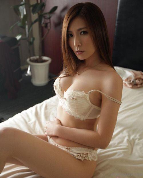 Yuna shiina lingerie purple
