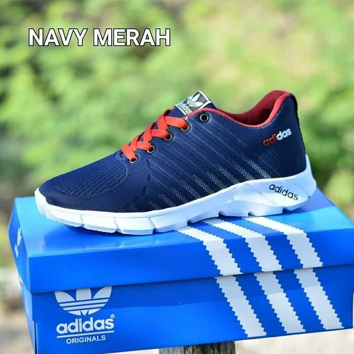 Sepatu Sport Sneakers Running Pria Adidas Stripe Run Free Ongkir