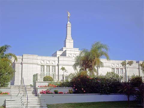 Montevideo Uruguay Mormon Temple. © Leonardo García Vera. All rights reserved.