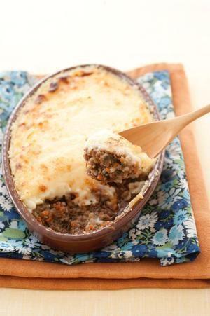 野菜の甘みいっぱいのひき肉炒めは、マッシュポテトと相性抜群。軽食にもおつまみにも活用できる、便利な一品です。