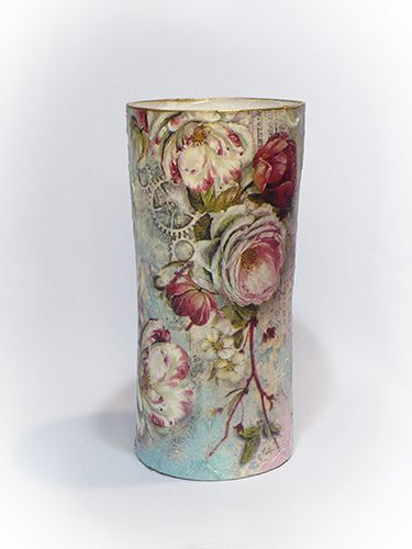 Régi levelek gyönyörű virágok ölelésében a Stamperia legújabb, 2017-es tavaszi rizspapír-kollekciójából. Vintage hangulat, romantikus paszte...