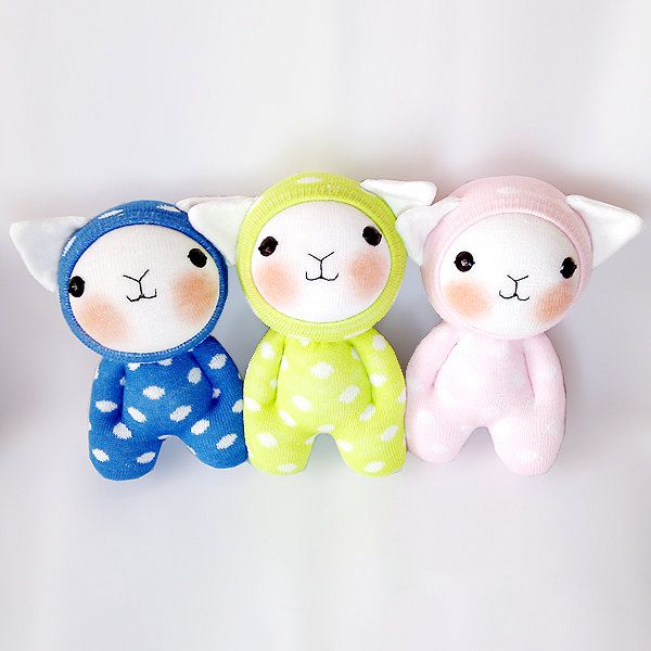 Polka Dots Sock Cat PDF ONLY cute soft plush stuffed animal doll by MIAtheshop on Etsy https://www.etsy.com/listing/196244681/polka-dots-sock-cat-pdf-only-cute-soft