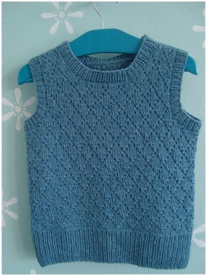 boy's slipover / sweater vest from Danish shop Garn-iture (pattern to be bought here)