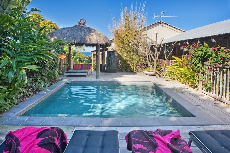 WHAT TO DO ON A NOOSA HOLIDAY - This September 2016 guest review is a blueprint of how to enjoy a great family holiday while staying at Balinese Beach House Noosa:  What an amazing house! Thank you for sharing it with us. Our boys (6+9) loved the pool and spent hours splicing and playing marco polo. We had a busy family holiday and packed so much into our time here. Sea Life was spectacular - as an artist I found it so inspiring. We also did the shark dive. Bli Bli water park was action…