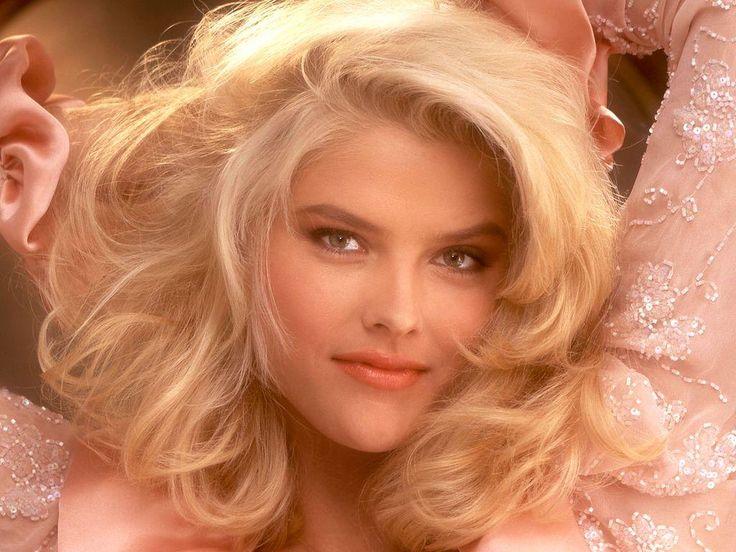 Anna Nicole Smith (Vickie Lynn Hogan) wallpapers | Celebrities1024 x 768 | 123.6KB | celebrities.yoangames.com