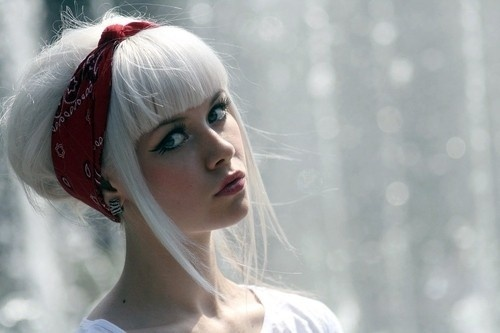 cute style but i'd rather not have super white hair...
