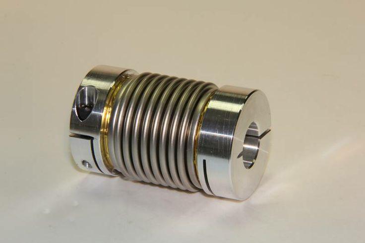 Les accouplements à soufflet métallique autorisent une compensation des défauts très importants d'alignement, transmettent un couple à une vitesse angulaire constante et élevée,