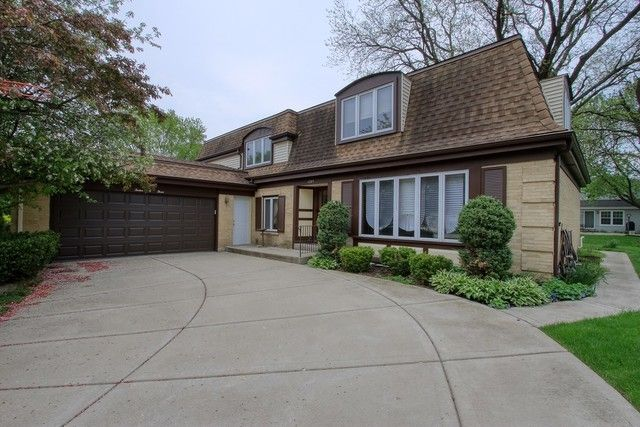 See All Available Apartments For Rent At 1203 W Cedar Ln In Arlington Heights Il 1203 W Cedar Ln Has Re Renting A House Apartments For Rent Arlington Heights