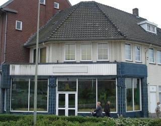 Hoensbroek: Voormalige De Gruyter Supermarkt
