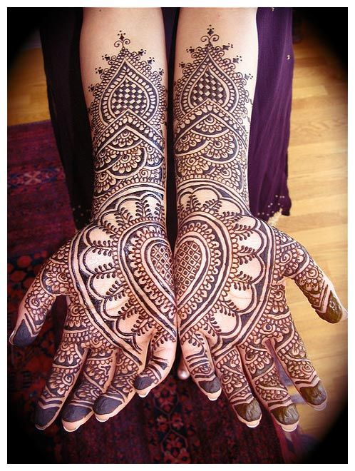Are henna artists really good at covering their mistakes, or do they just never make them?