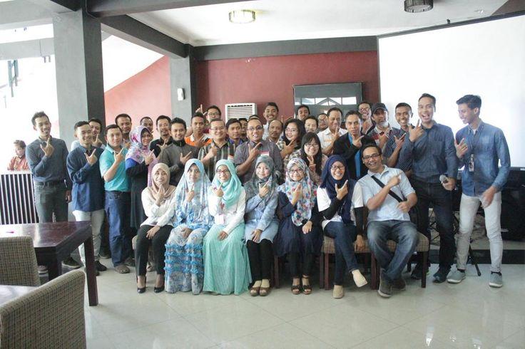 #LatePost Gathering customer pertama Beon Intermedia di cafe Agis jln Ahmad Yani Surabaya bersama Indosat.