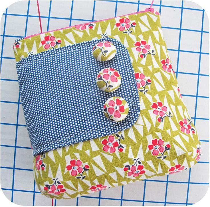 Zip Pouches - ePattern by Michelle Patterns + Free Covered Buttons Video Tutorial #sewing