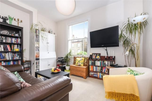 2 Bed Flat For Sale, Alexandra Grove, Finsbury Park, London N4, with price £450,000 Offers over. #Flat #Sale #Alexandra #Grove #Finsbury #Park #London