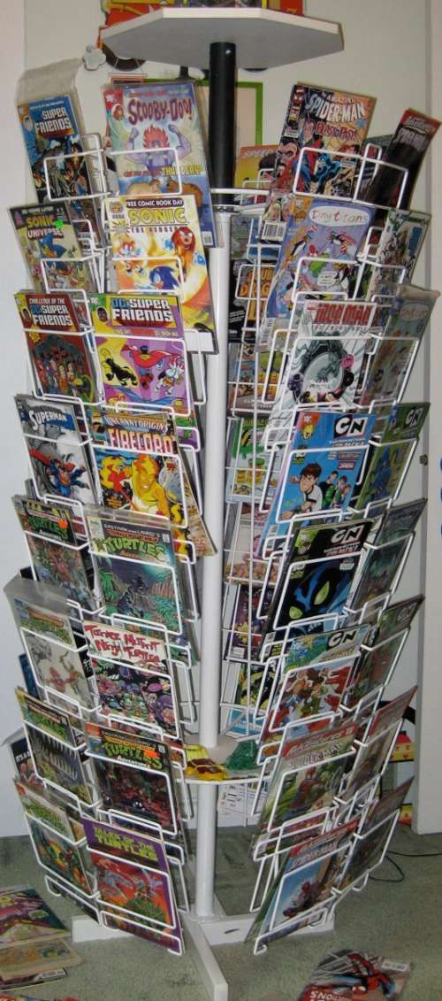 31 best images about comic book spinner racks on pinterest - Comic book display shelves ...