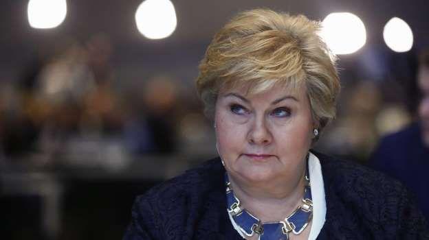 Regjeringen åpner for å forlenge Norges militære bidrag i Afghanistan, sier statsminister Erna Solberg.
