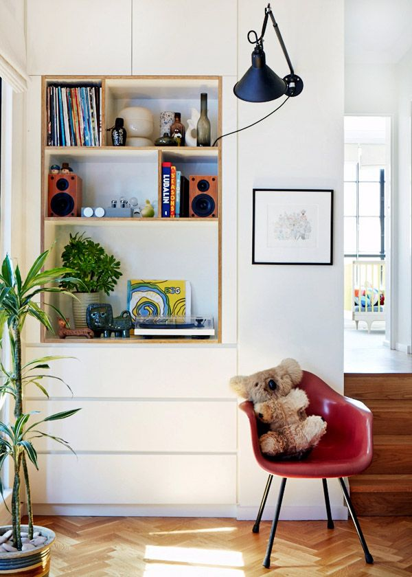 love this bookshelf idea