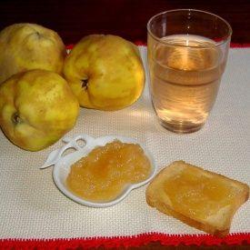 Marmellata di mele cotogne. Condivisa da: http://ilmestolomagico.blogspot.it