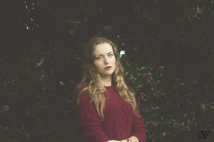 model, girl, photoshoot, autumn, dark, color, photography, outdoor, red tone