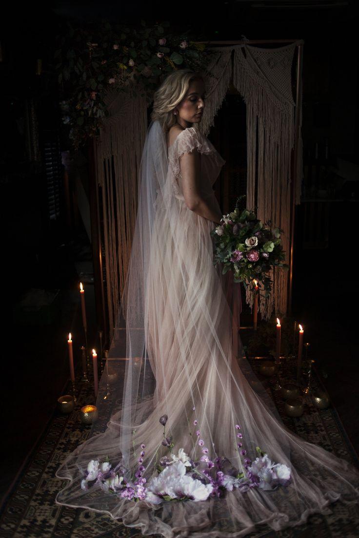 Boho Chic Hochzeit Inspiration mit hübschen Pastellen und einem farbigen Kleid #Hochzeit …   – industrial bride