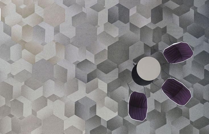 Vloeren tapijt tegel shaw contract hexagon vloeren zacht pinterest carpets office - Corridor tapijt ...