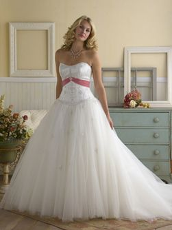 Elegant  Style White Ball Gown Strapless Sweetheart Sash Beading Embroidery Satin Organza Wedding Dress on sale a perfect Ball Gown Wedding Dresses with high