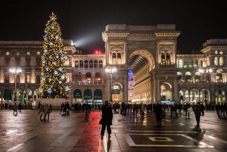 Il #Natale è  alle porte e le città italiane si preparano alla festa tanto attesa: ecco gli alberi di Natale più belli d'#Italia  [FOTO] Segui www.meteoweb.eu   #christmas #xstmas #tree #party #holidays #carol #santaclaus #natale #italia