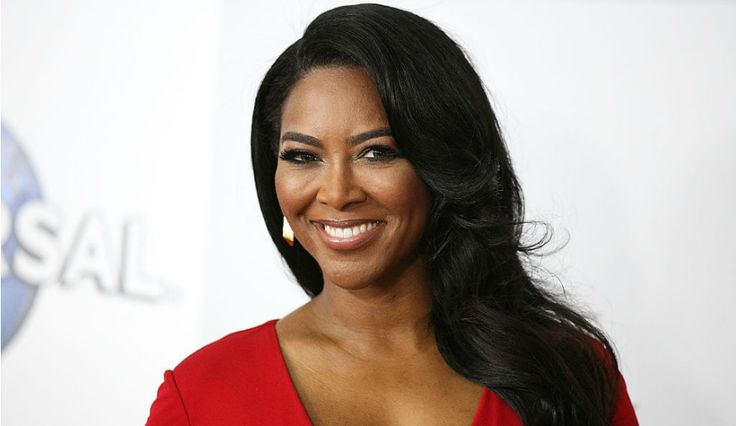 'RHOA' Star Kenya Moore Pulls A Gun On Suspicious Trespassers Attempting To Gain Entry Into 'Moore Manor'