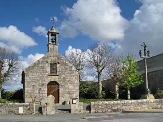 La chapelle Ste Catherine et son calvaire Mespaul