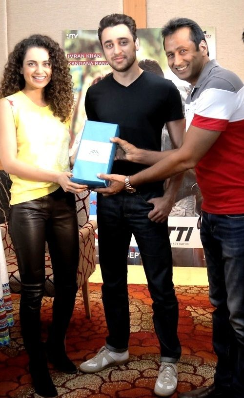 Special Moments: Director Motia Group L.C.Mittal along with Sidharth Malhotra & Alia Bhatt