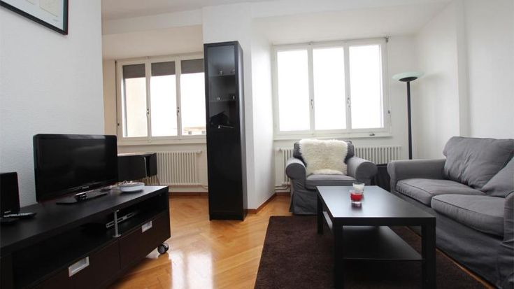Rue de Lausanne 83 - Furnished apartment - GENEVA -  - CHF 2300 Furnished studio  Cornavin's train statio's area. Nearby the lake and downtown.  Beautiful newness studio with a lake view. It includes: an entrance hall - a pleasant living room - a fully equipped ki